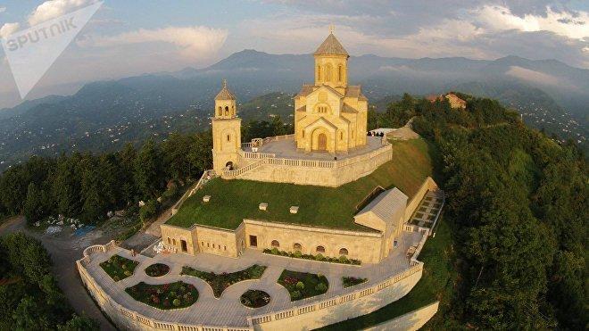 Монастырский комплекс Святой Троицы открыт в Аджарии