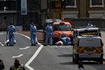 Следователи и криминалисты работают в Лондоне на месте террористического нападения