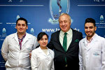 Студенты и ректор Тбилисского государственного медицинского университета