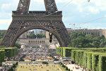 Спуск с Эйфелевой башни по зип-линии