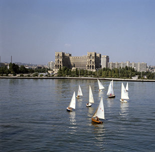 Вид на город Баку и набережную