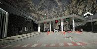 Таможенно-пропускной пункт Казбеги на грузино-российской границе
