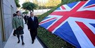 Посол Великобритании Джастин Макензи и премьер-министр Грузии Георгий Квирикашвили
