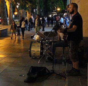 როკ-ჰიტები ქუჩის მუსიკოსების შესრულებით