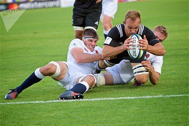 Матч между сборными Новой Зеландии и Англии в финале чемпионата мира по регби U-20
