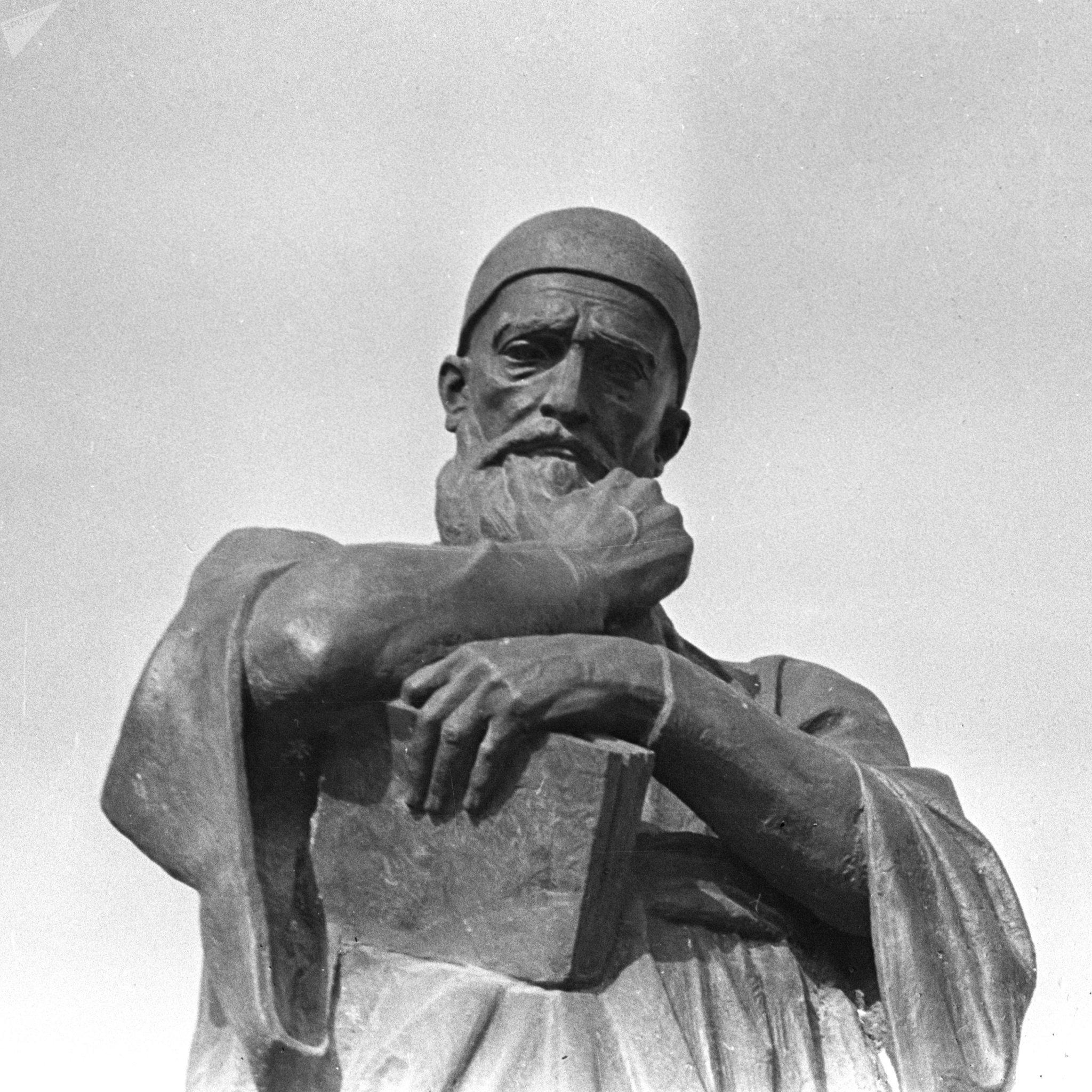 Памятник поэту Физули