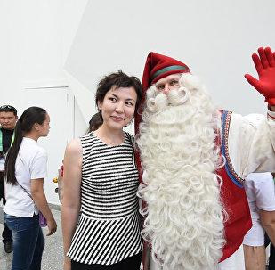 Санта-Клаус приехал на ЭКСПО в жаркую Астану