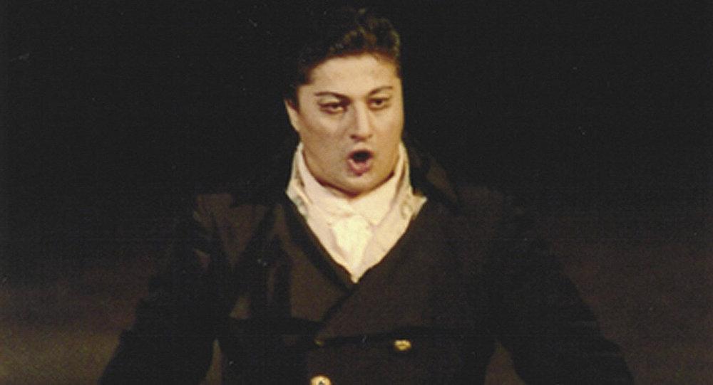 Известный оперный певец, баритон Черного моря Ладо Атанели