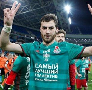 Грузинский защитник Соломон Кверквелия подписал контракт с Локомотивом