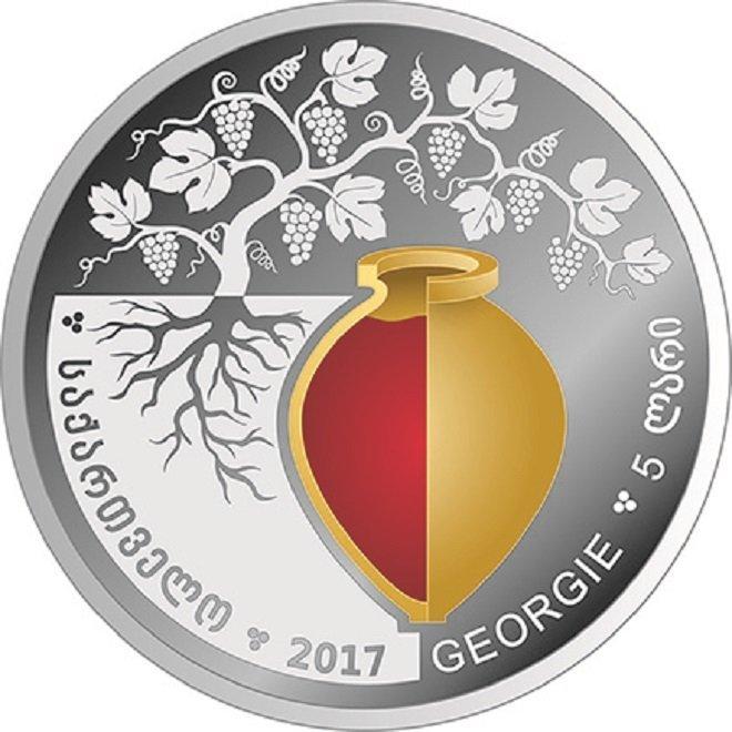 Аверс коллекционной серебряной монеты, приуроченной к Международной выставке в Бордо