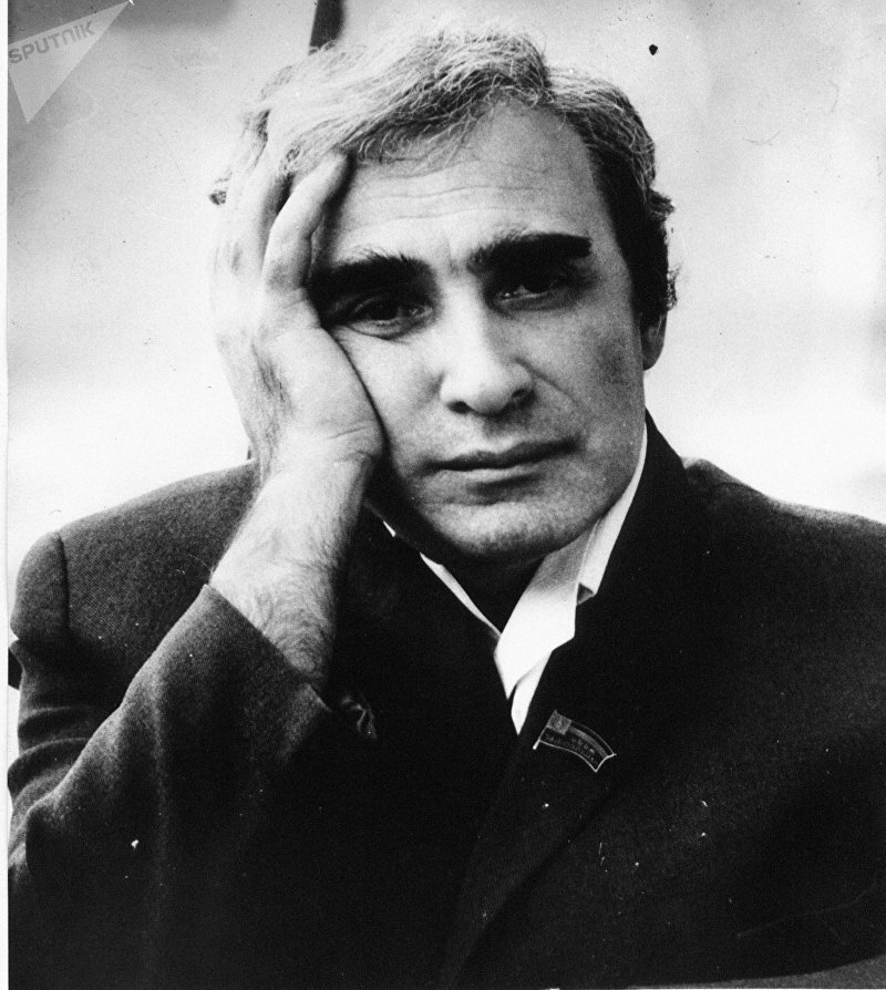 Советский грузинский писатель Нодар Владимирович Думбадзе