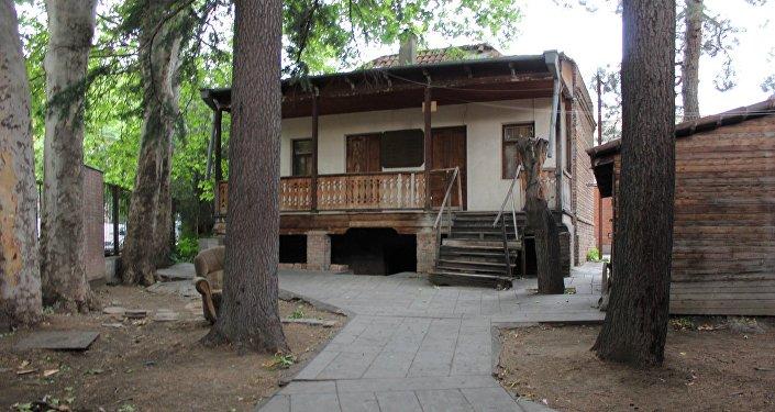 Дом, в подвале которого располагалась типография