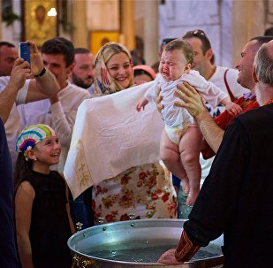 Сотни детей стали крестниками Патриарха в праздник Светицховлоба