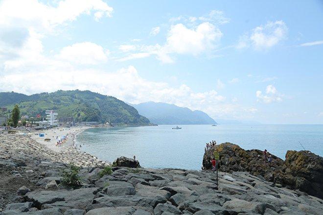 Вид на ТПП Сарпи и пляж