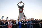 Президент Турции Тайип Эрдоган и его жена Эмине Эрдоган присутствуют на церемонии, посвященной первой годовщине попытки государственного переворота в Президентском дворце в Анкаре, Турция