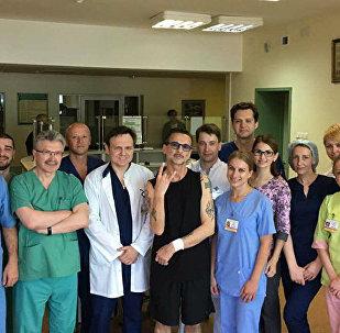 Дэйв Гаан в 9-й городская клиническая больница Минска