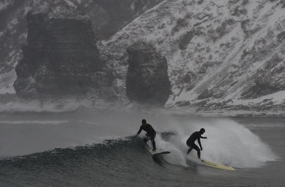 Фотография из серии Зимний серфинг на Камчатке и в Приморском крае Юрия Смитюка (Россия)
