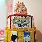 Торт в стиле Игры престолов на сладкой ярмарке в Севилье