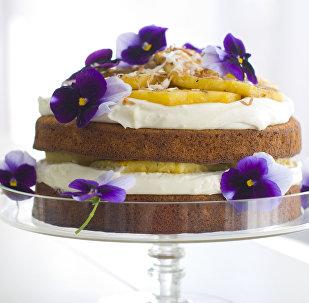 Торт с ананасами на День матери
