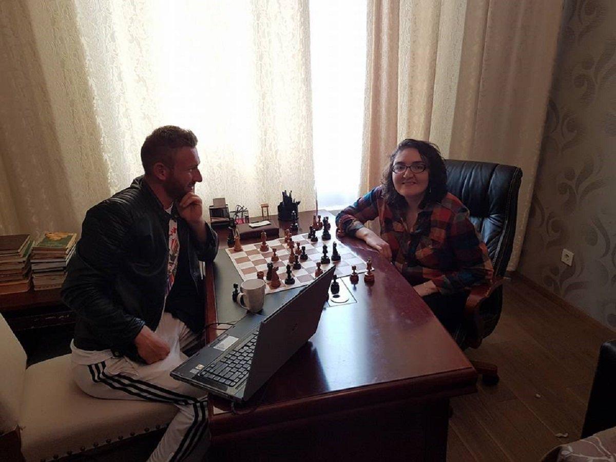 Гроссмейстер Нана Дзагнидзе и шахматист Темо Дзагнидзе