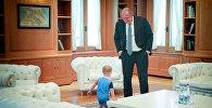 Темо навестил своего отца - президента Грузии Георгия Маргвелашвили на работе