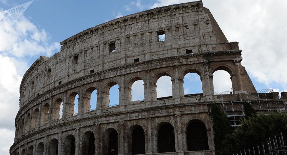 Амфитеатр Флавиев (Колизей) в Риме