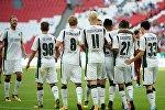 Игроки ФК Краснодар радуются забитому мячу