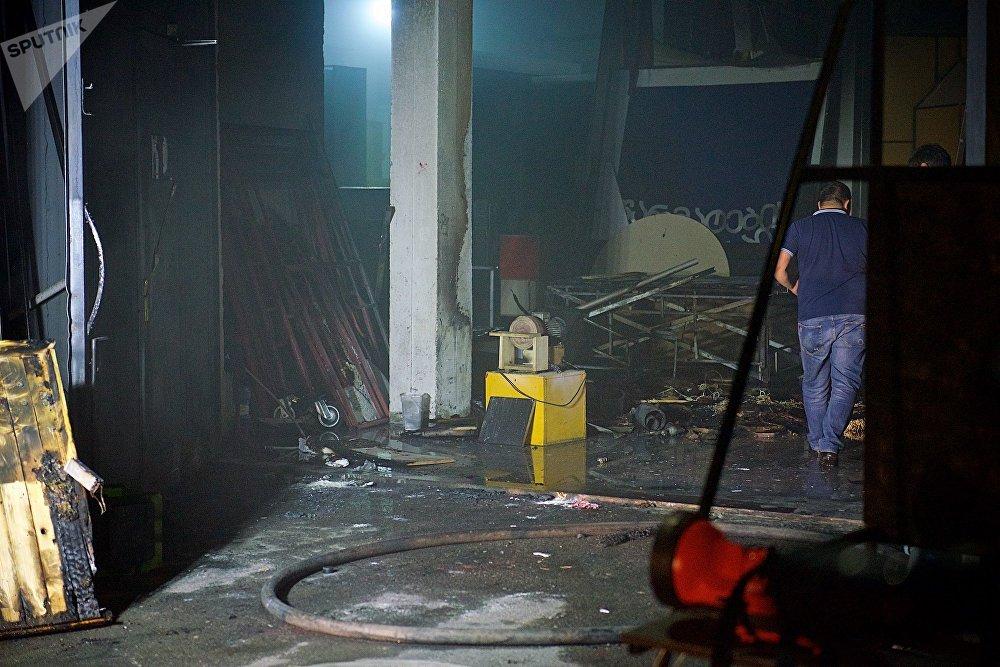 От огня пострадали технические помещения, сгорели несколько декораций
