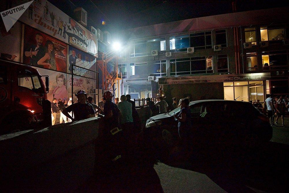 Здание телеканала Рустави 2 расположено на улице Сандро Эули на окраине Тбилиси
