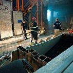 В настоящее время специалисты устанавливают причины возгорания, по факту пожара возбуждено уголовное дело