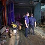 После ликвидации очага возгорания к работе приступили эксперты-криминалисты