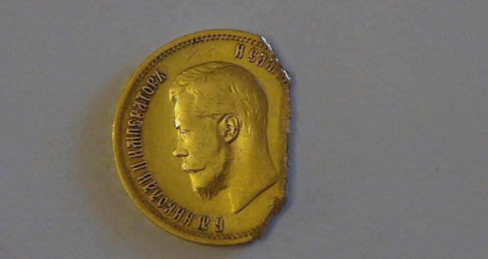 Та самая монета, подаренная Камо молодой девушке Нине Шахпаронянц