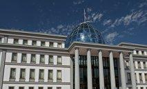 Здание президентского дворца в столице Грузии в районе Авлабари