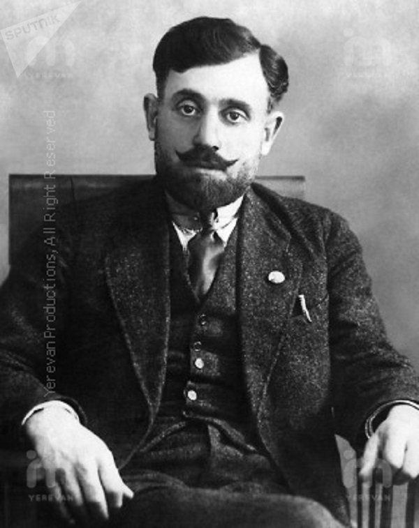 Симо́н Арша́кович Тер-Петрося́н (Камо́) - революционер
