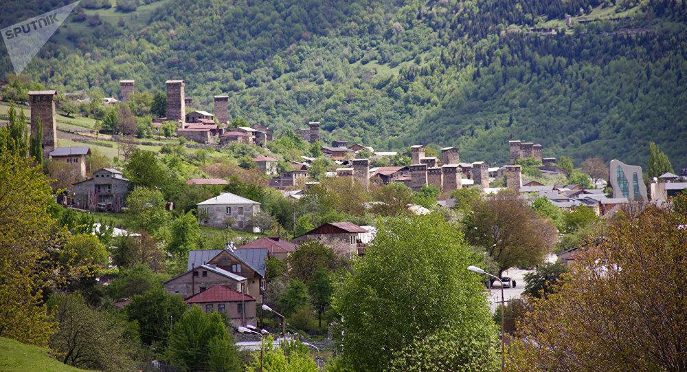 Посёлок городского типа Местиа в Грузии.