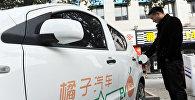 Крупнейшим рынком электромобилей еще в 2015 году стал, обогнав США, Китай. В 2016 году продажи вновь выросли более чем в два раза. Причем лидируют не зарубежные, а многочисленные местные производители, предлагающие растущий выбор бюджетных моделей. Китайские автолюбители очень увлечены новой технологией, а государство их поддерживает: оно хочет снизить загазованность в городах-миллионниках.
