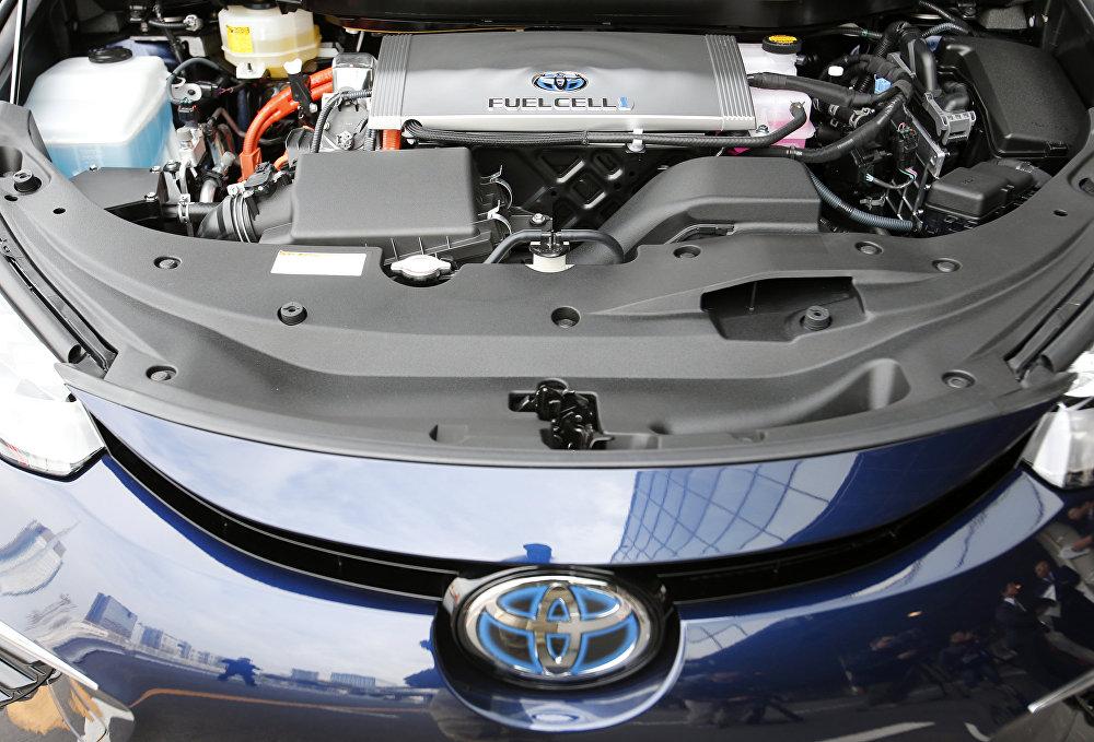 Компания Toyota, которая еще в начале 2000-х предугадала направление потребительского спроса, выпустив первый гибридный автомобиль Prius, сегодня снова становится первопроходцем, но уже в направлении разработки машин на водородном топливе. В самой Toyota автомобили на топливных ячейках (водородные автомобили, Fuel Cell Vehicles — FCV) называют выбором следующего столетия