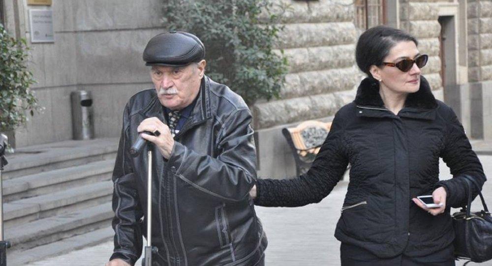 85-летний поэт Джансуг Чарквиани вышел изкомы