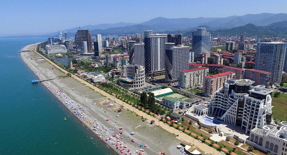 Вид на побережье Черного моря и Батуми с воздуха