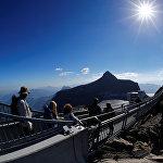Дьяблере – важный центр для любителей приключенческого спорта - лежит между Женевским Озером и Гштаадом в Швейцарии, на высоте 1200 м. Даже летом, горнолыжный район Glacier 3000 в центре Водуазских Альп предлагает просторную арену для катания на лыжах и всевозможных развлечений на леднике