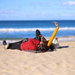 Пляж Мэнли или Бухта Мужественная — муниципальный пляж, популярная зона отдыха в Сиднее. Это популярное место как для спокойного семейного отдыха, так для занятий серфингом и другими водными видами спорта. Сезон покорения волн тут длится с октября до мая, постоянно работают инструктора и спасатели, а для опытных и начинающих спортсменов существуют пункты проката снаряжения и тематические магазины