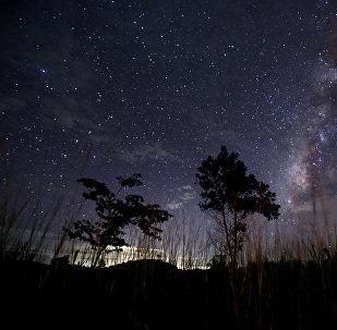 Млечный Путь в ясном ночном небе возле Янгона