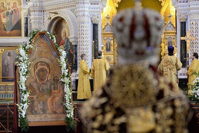 Смоленская икона Божией Матери Одигитрия в храме Христа Спасителя