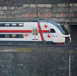 ორსართულიანი სამგზავრო მატარებელი თბილისი-ბათუმი