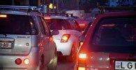 Автомобильная пробка на проспекте Руставели в центре Тбилиси