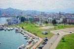 Вид на город Батуми с колеса обозренияф