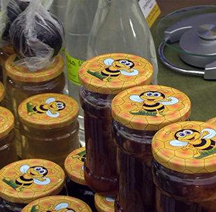 ბათუმში თაფლის ფესტივალზე პროდუქცია საქართველოს სხვადასხვა რეგიონებიდან წარმოადგინეს