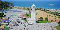 Черноморское побережье, набережная Батуми и маяк