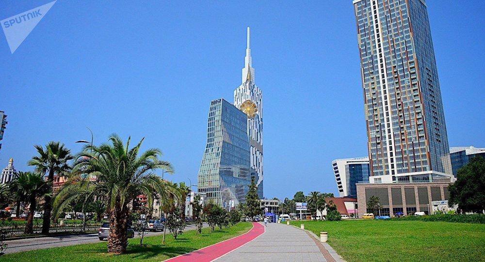 Высотные здания в центре Батуми - престижные отели