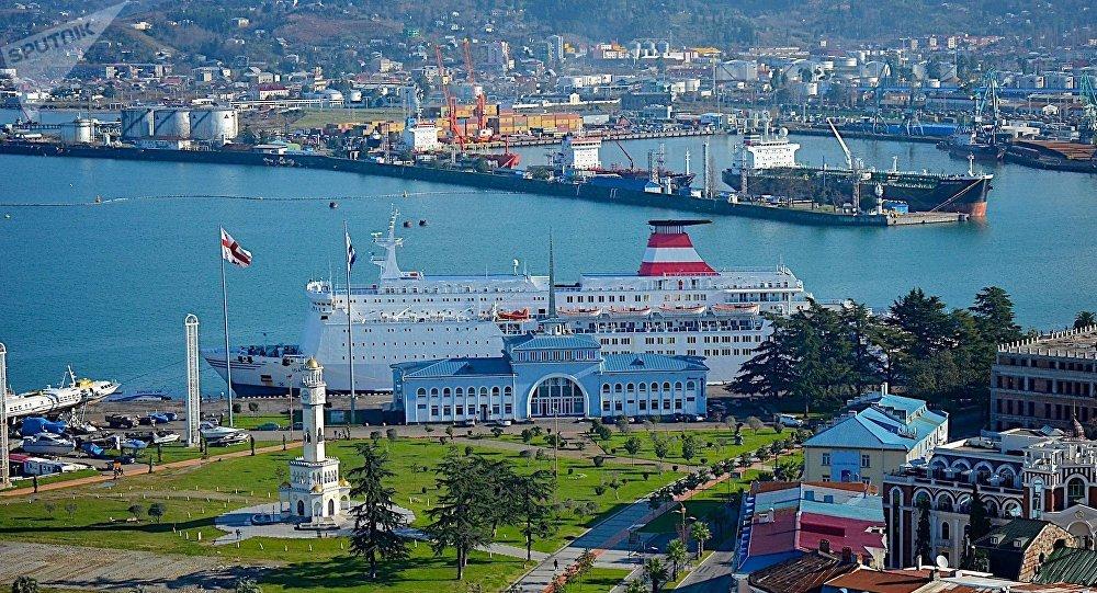 Морской порт в Батуми